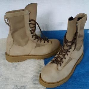 ROCKY MILITARY WATERPROOF VIBRAM BOOTS